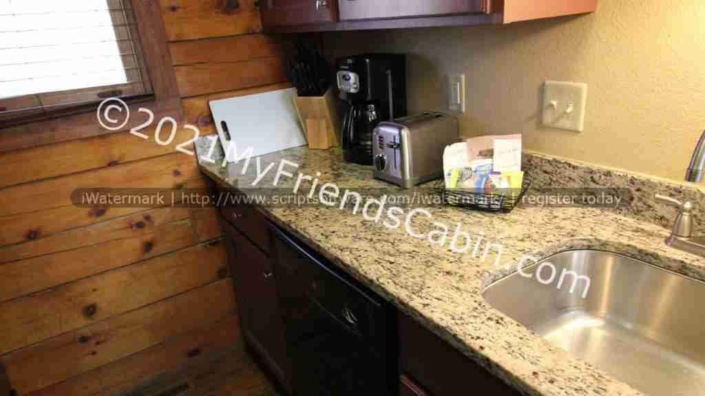 my-friends-cabin-kitchen-2