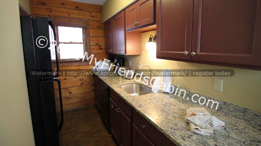 my-friends-cabin-kitchen