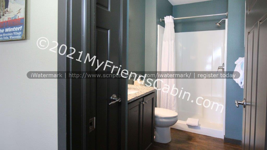 my-friends-cabin-second-bathroom-2