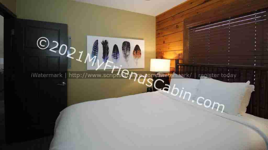 my-friends-cabin-second-bedroom-2